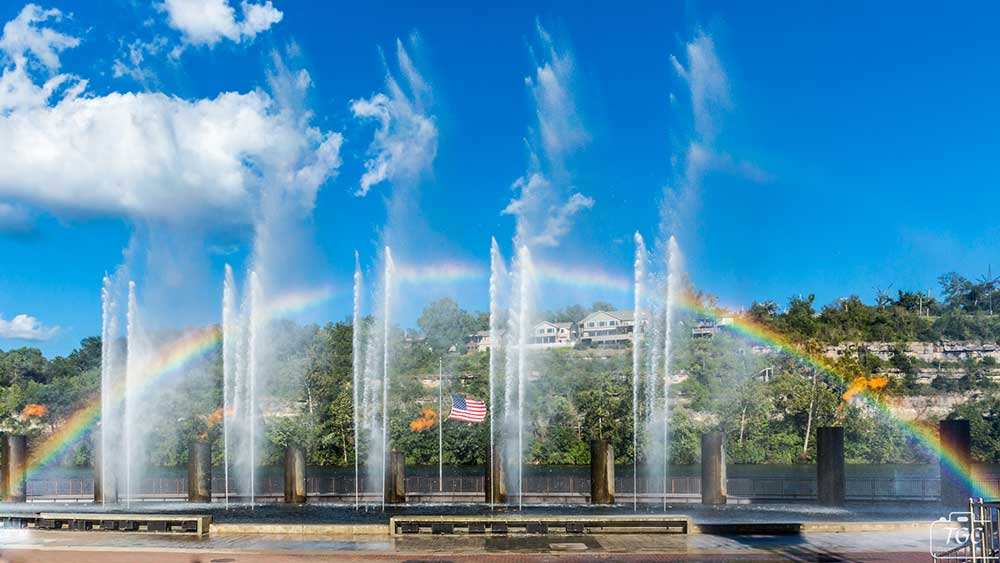 The Branson Landing Fountains